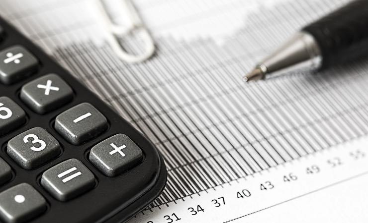 更新のタイミングがチャンス!保険の見直しで固定費を節約