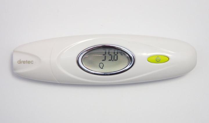 2秒ではかれる赤外線体温計「dretec TO-300」 耳での計測がオススメ